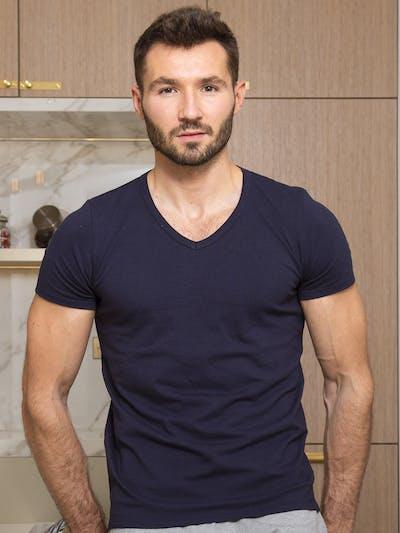 T-shirt bleu col V - Indispensable